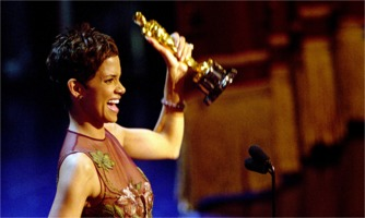 Halle Berry wins Oscar