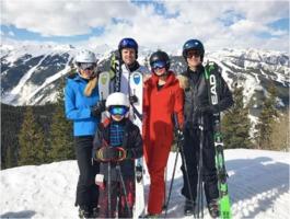 Trump skiers