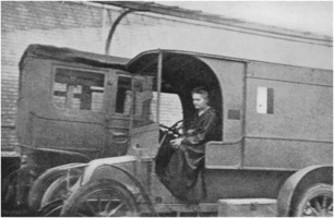 Marie Curie in mobile X-ray unit