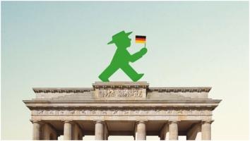 Ampelmaennchen on Brandenburg Gate