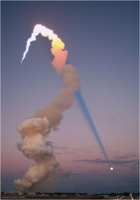 STS 98 plume